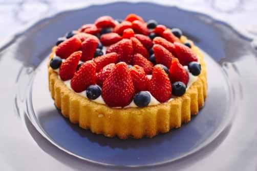 berry blueberries blueberry cake
